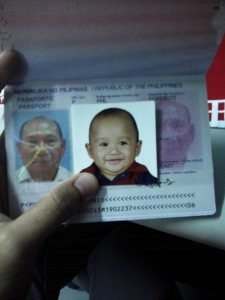 I placed my nephew's picture side by side papa's picture in his passport. Look how the mag-lolo resembles each other!